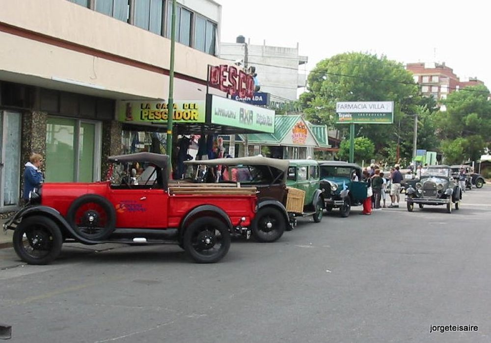 Ford´s model A , years 1929/31 by jorgeteisaire