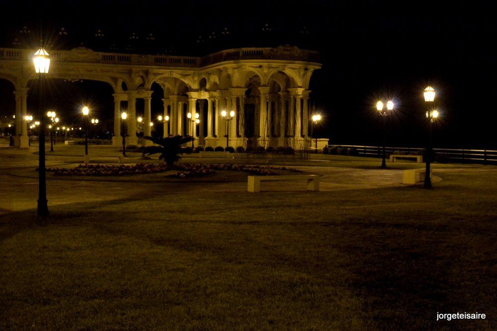 Night lights by jorgeteisaire