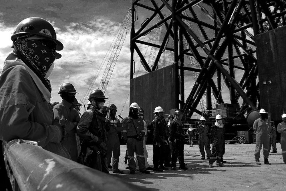 Sapurakencana Shipyard- Workers by nasaanakbentayan