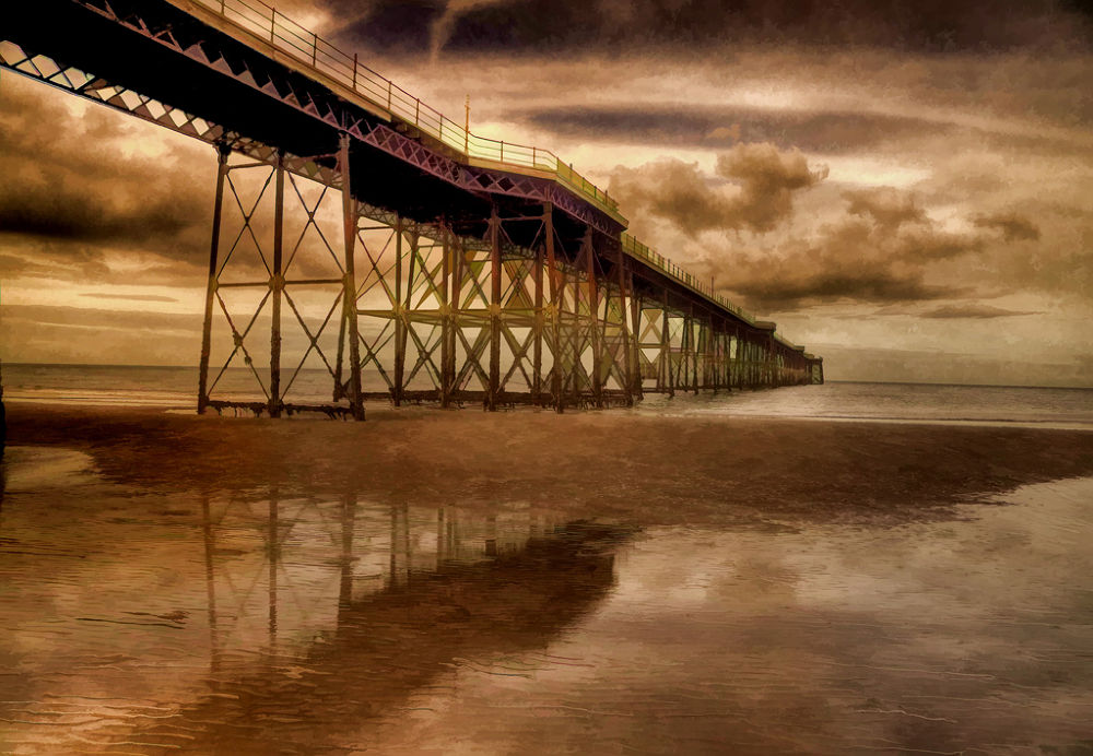 Queen's Pier by clinthudson