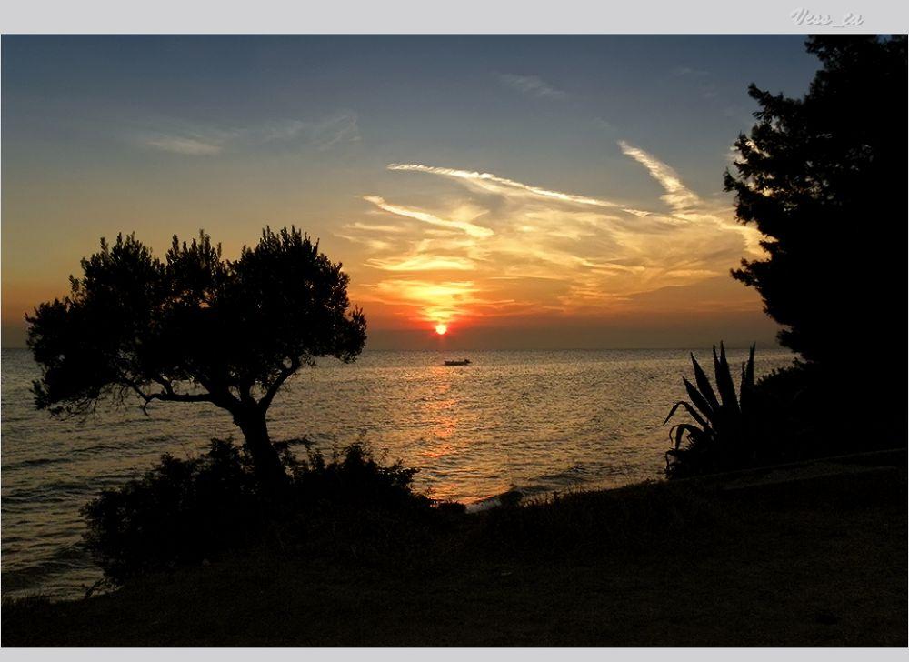 Sunset by VessTa