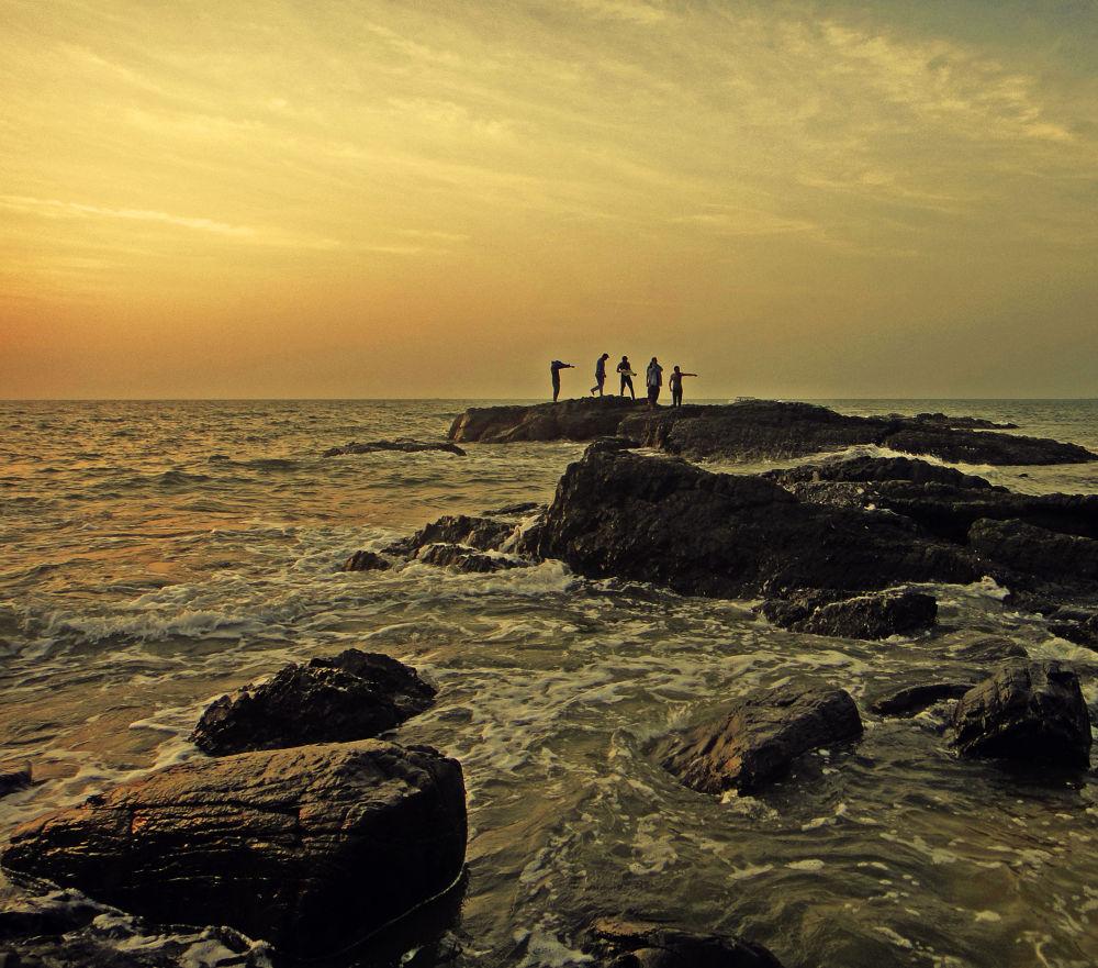 Where to guys? (Chapora, Goa) by LordMessiah