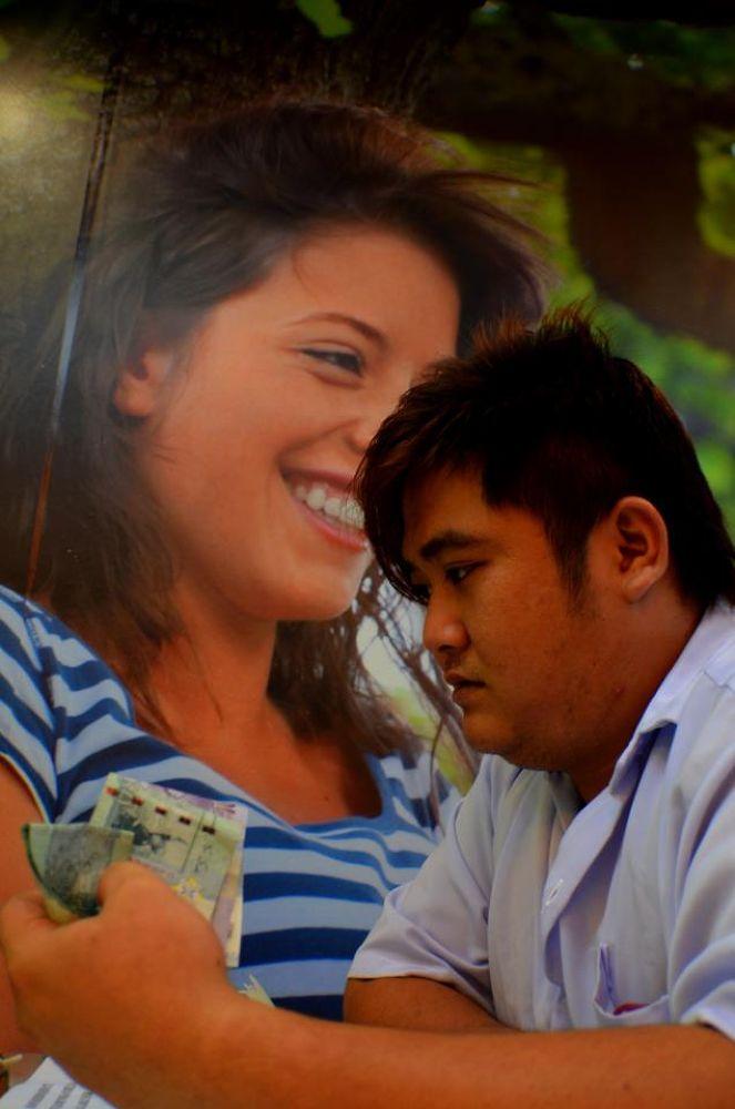 People & Poster- Money ! Money ! Money ! by Anakbentayanmuo