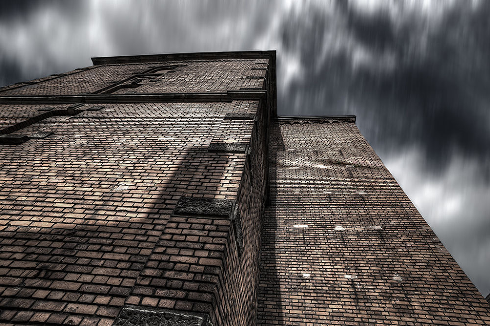 Brick in the wall by Leo Walter