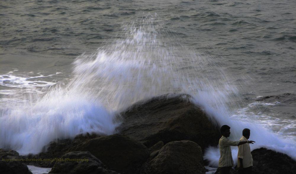Frozen Moment....! by Abhishek Kumar