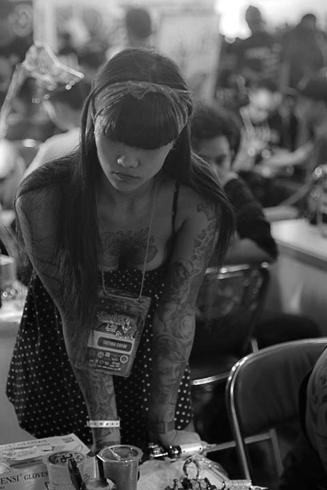 tattoo girl by gnyomi