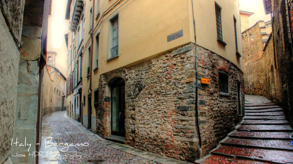 Italy - Bergamo by skafetzakis