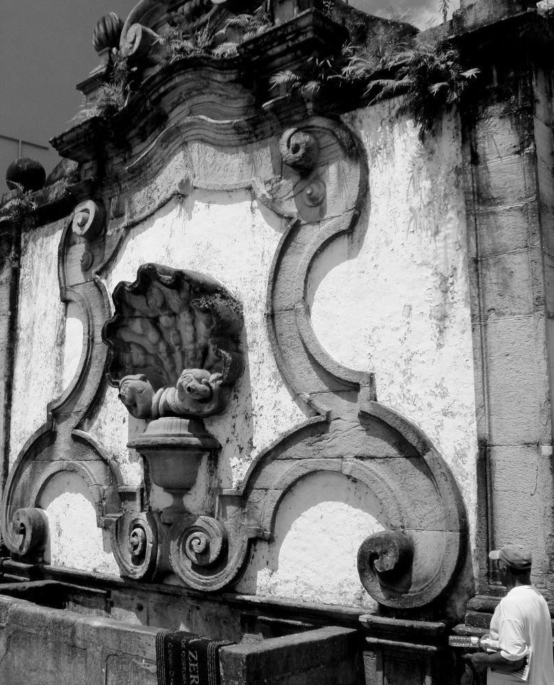 Brazilian Baroque. Fonte em Ouro Preto by Natanael Guimarães