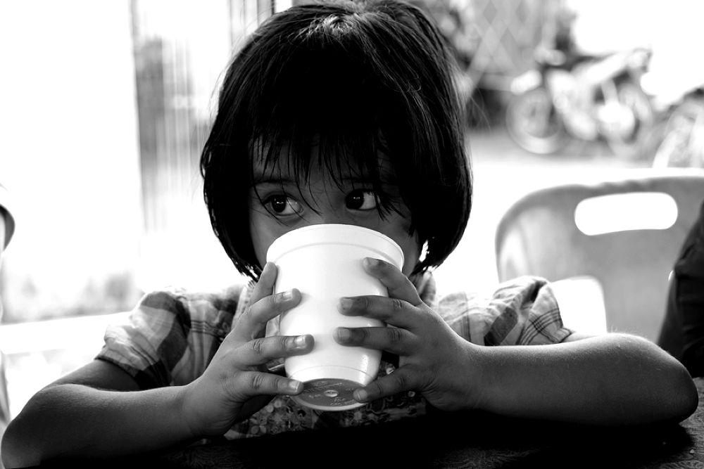 little girl by iskkfx