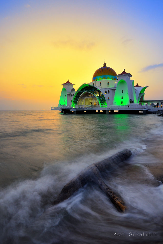 Selat Mosque by azrisuratmin