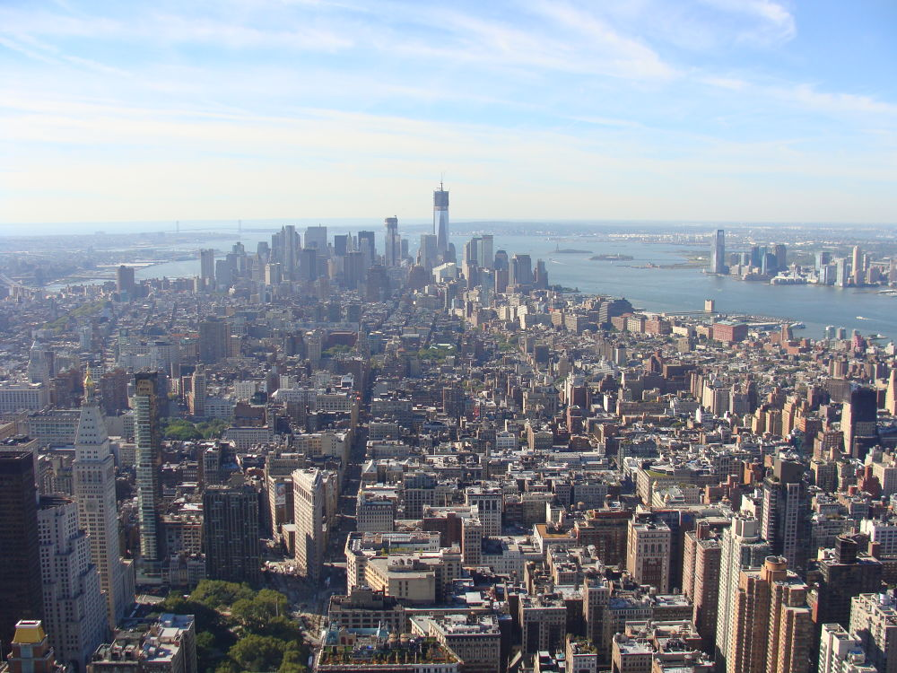 Photo from the top of the famous Empire State Building, New York. In Oct 2012. by raghavankk