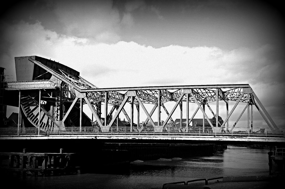 North bridge in Hull by Dean_Gregory