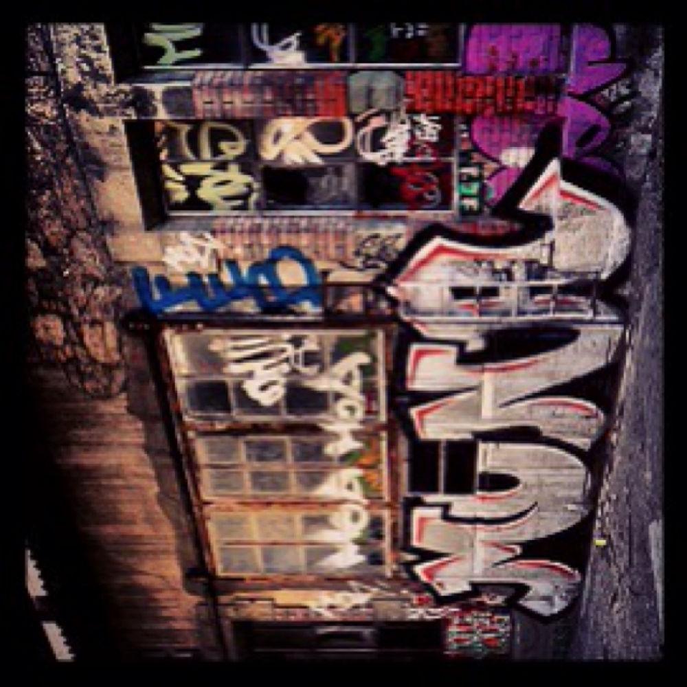 Graffiti wall ! by sebrisse