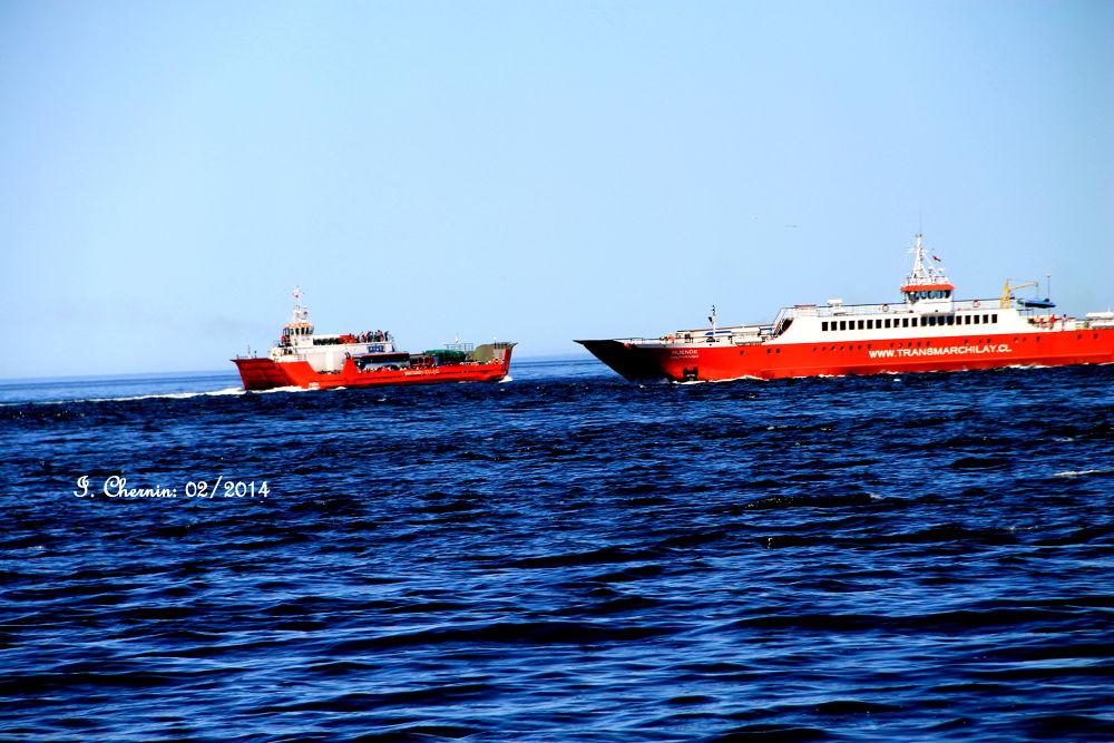 ferries crossing the chacao channel by ichernin