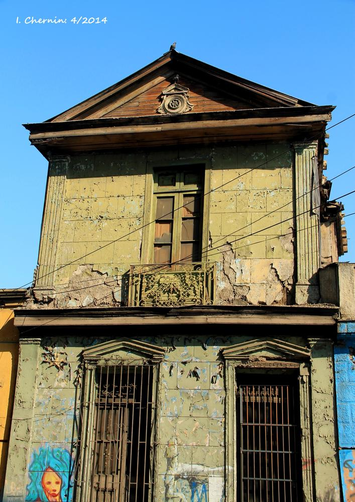 Photo in Street Photography #santiago #chile #street photography #cityscape #decayed #abandoned