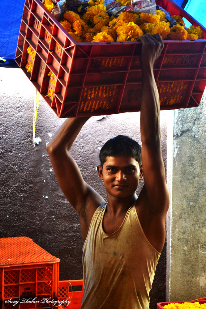 I am the lifter of this Market. by surajthakoor