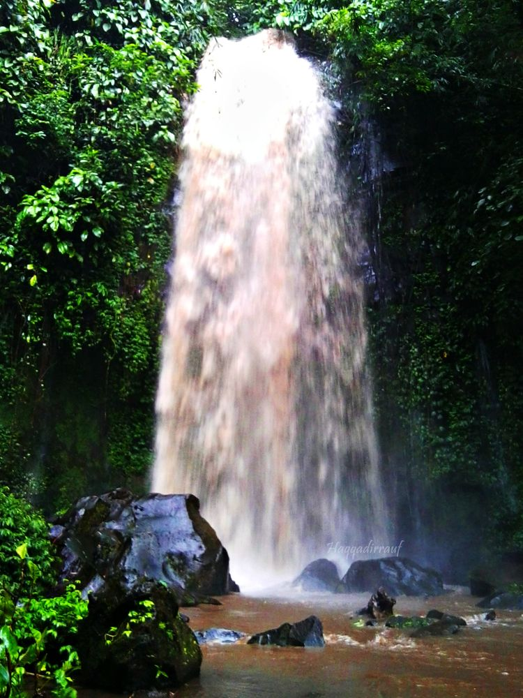 Waterfall by Haqqadirrauf