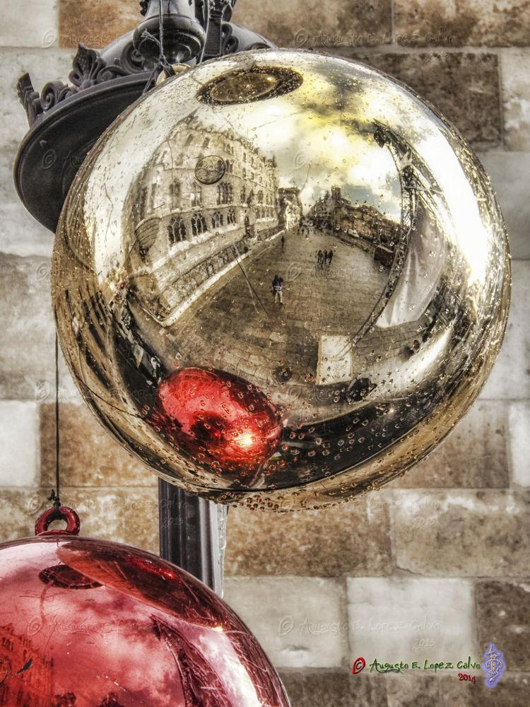 Photo in Street Photography #navidad #león #gaudí #botines