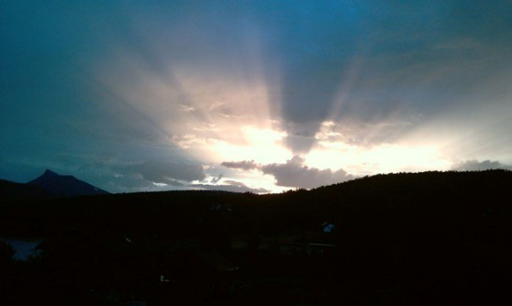 ray of light by stigrobertgjerdrum