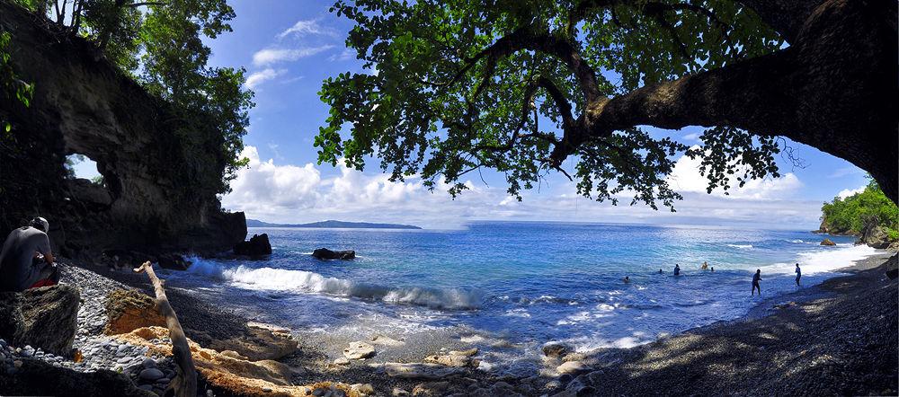 Batu kapal, Ambon island, Mollucas by trikolopaking