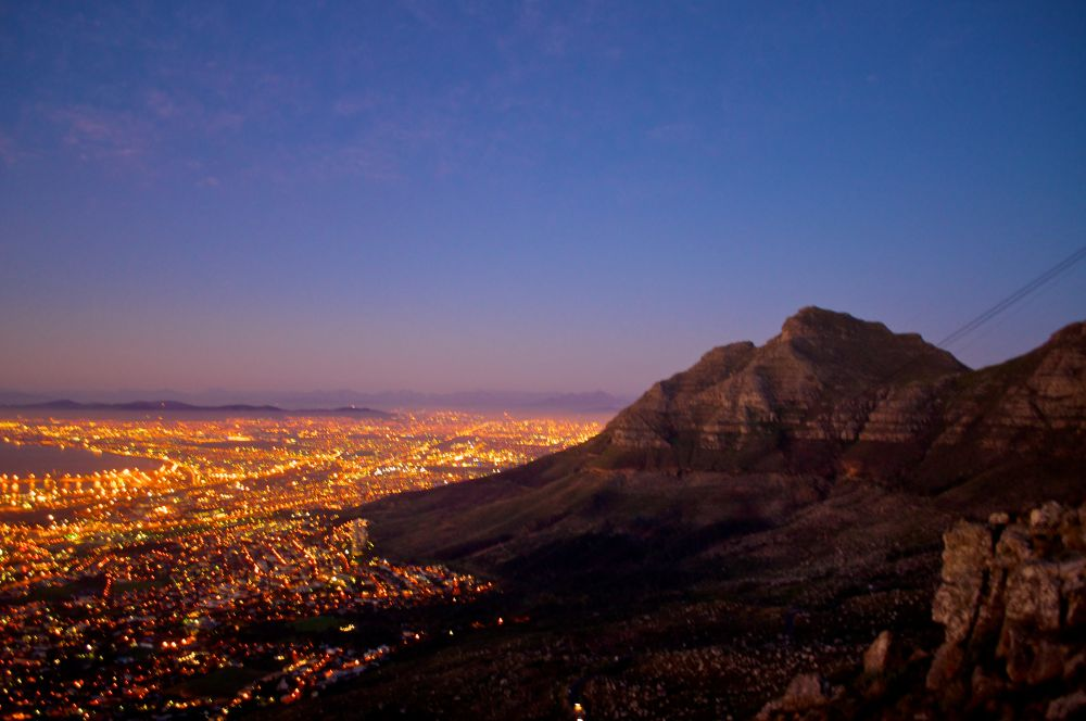 Cape Town glows by Grégory Hallé Petiot
