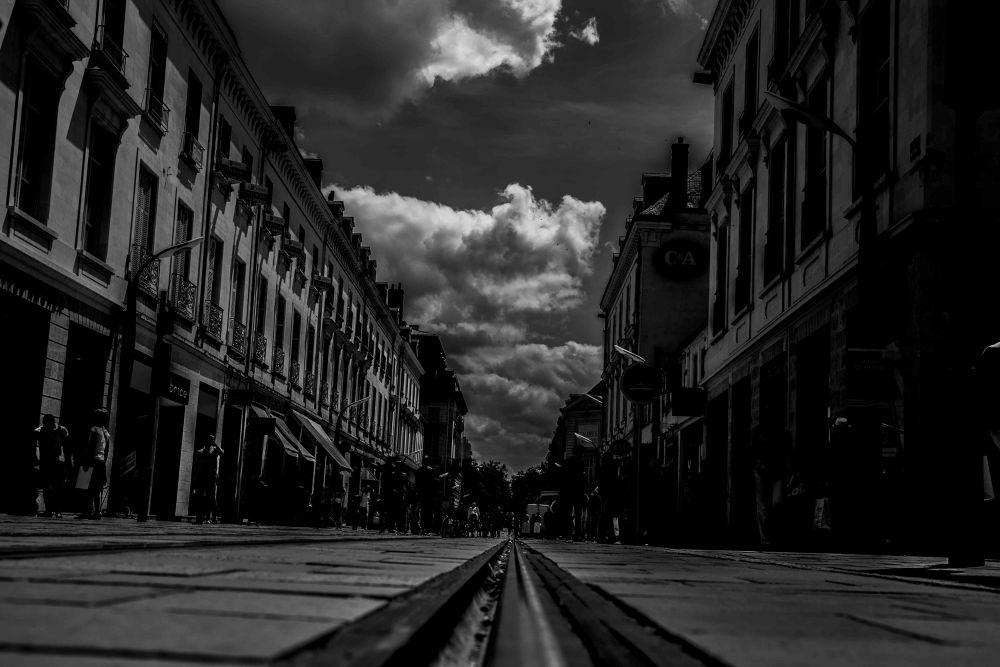 rue dans Tours by photomagaflor