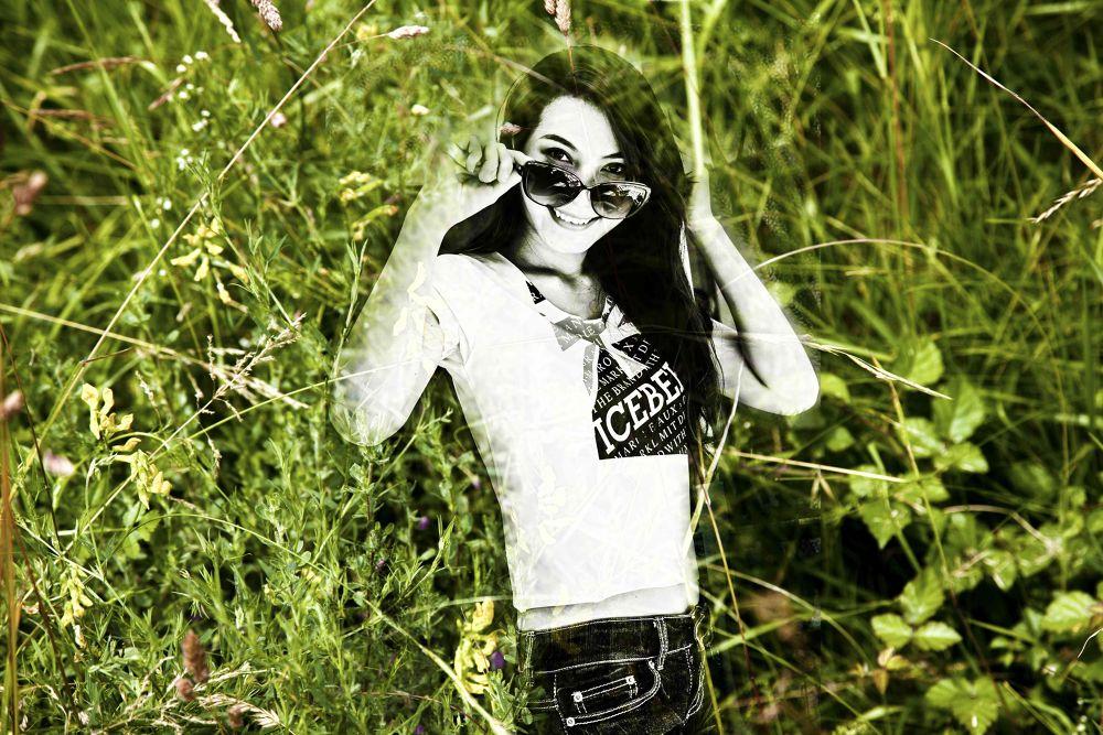 lana dans l'herbe by photomagaflor
