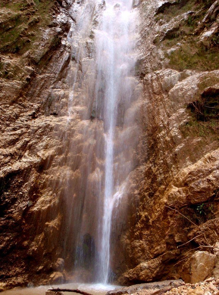 waterfall by sakabedoyan  Jack
