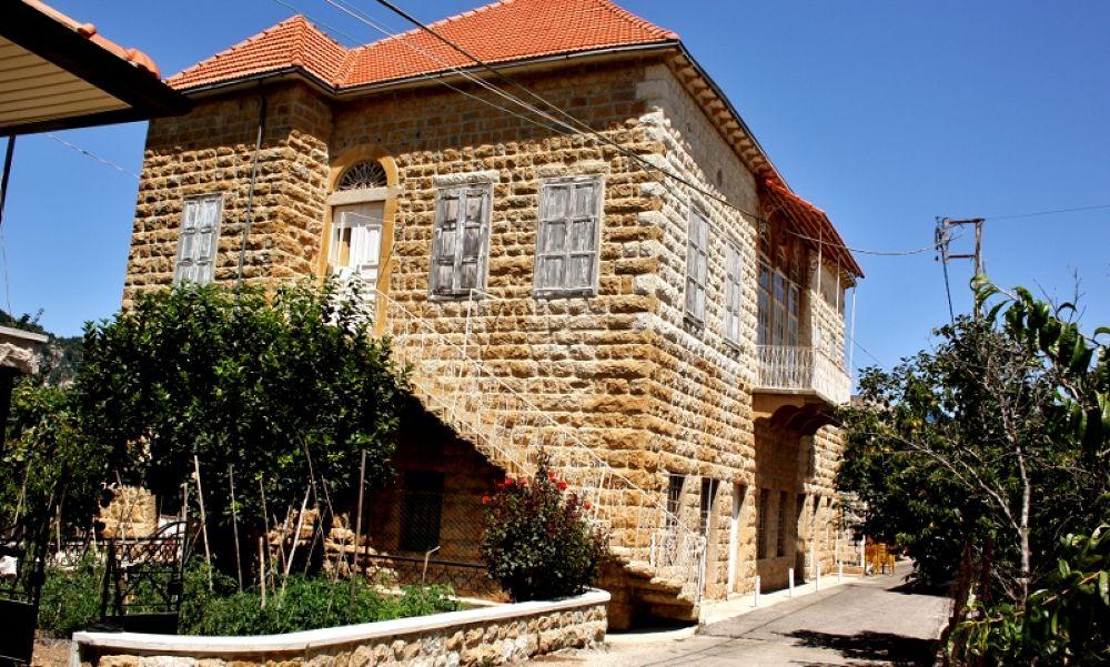 Lebanese style vilage house by sakabedoyan  Jack