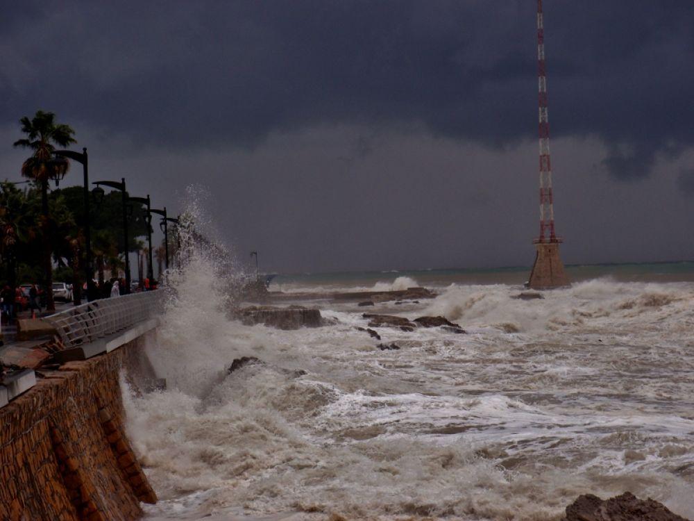 Storm, Beirut, Lebanon by sakabedoyan  Jack