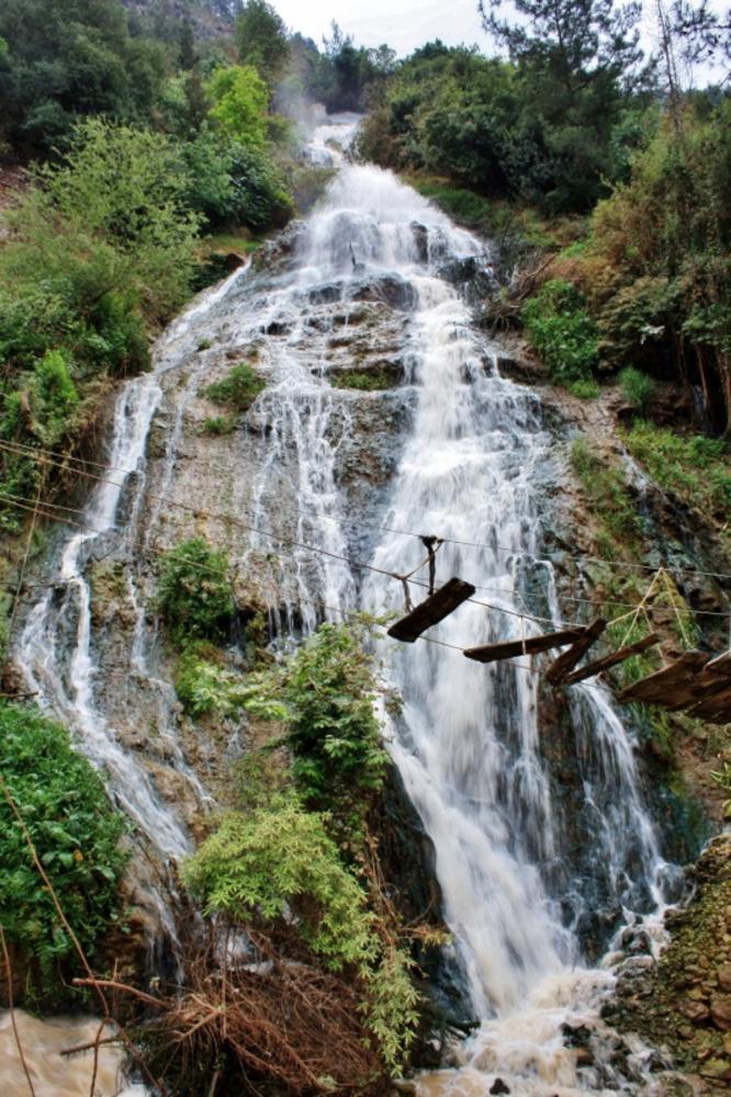 Waterfall, North Lebanon by sakabedoyan  Jack
