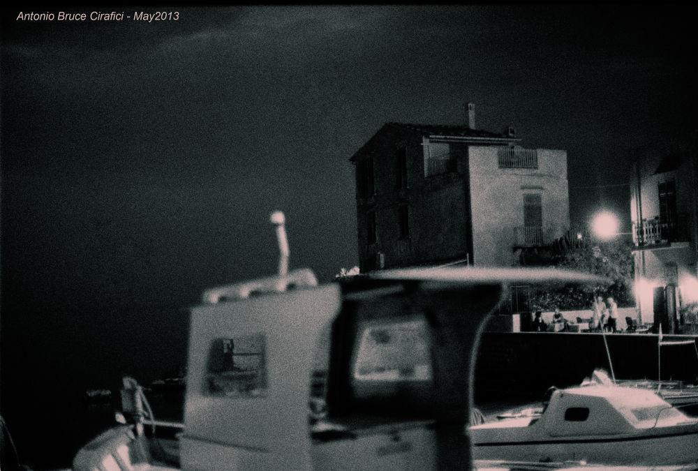 la casa rossa.. with Analogic Nikon FM3a.. by Antonio Bruce C.