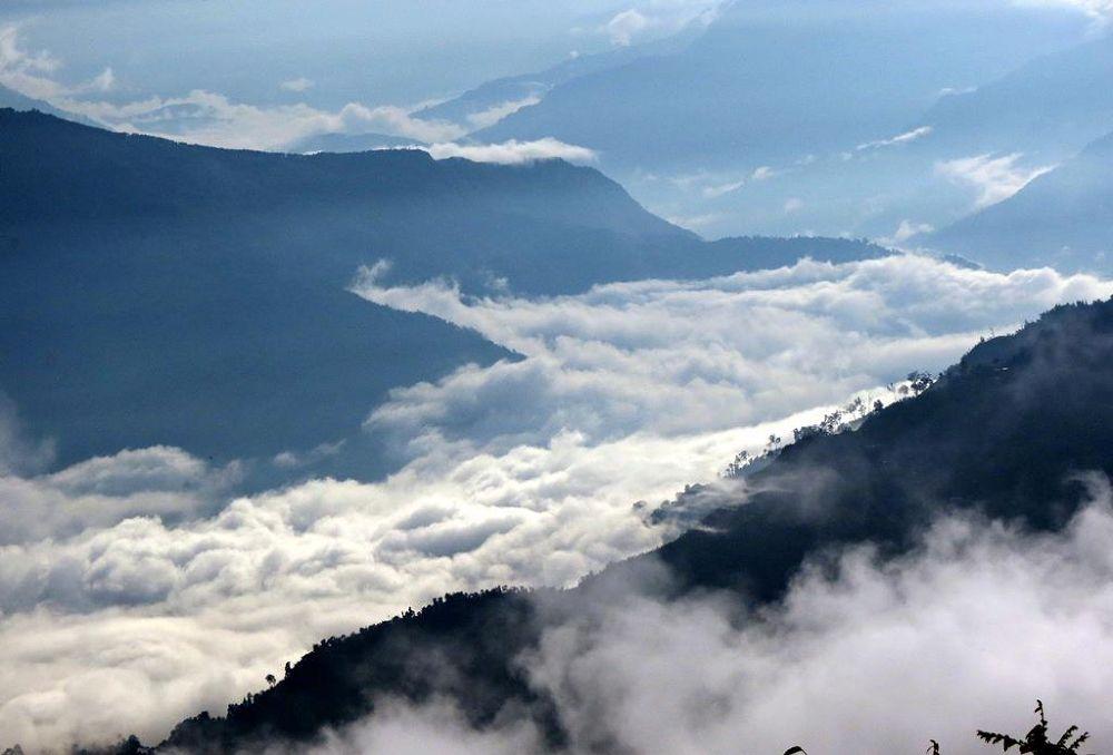 cloud river.jpg by suvrotutul