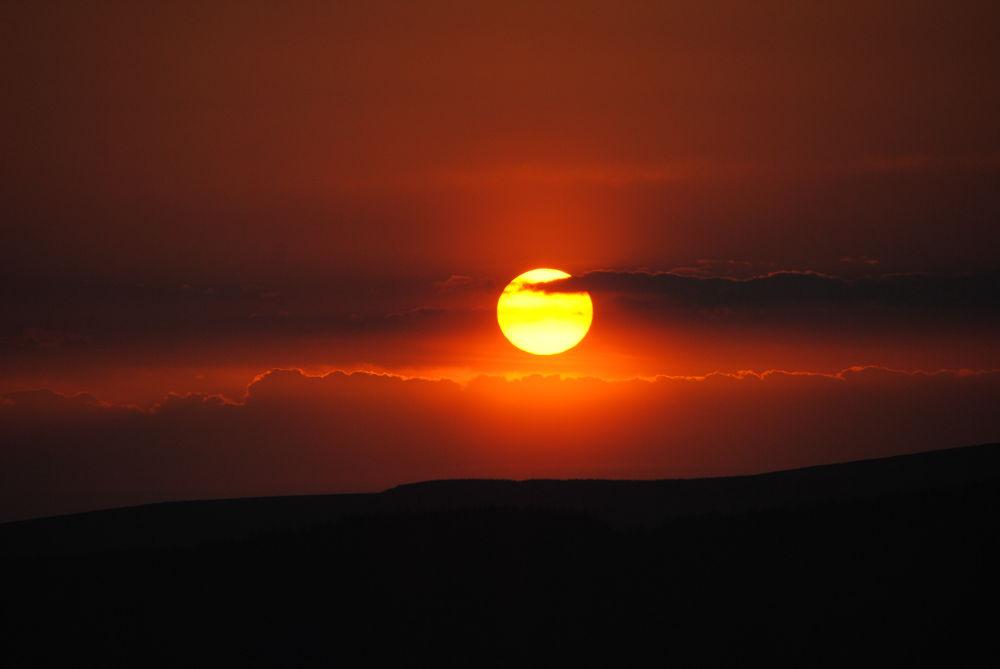 Sunset at Devoke Water by lezamaloney9