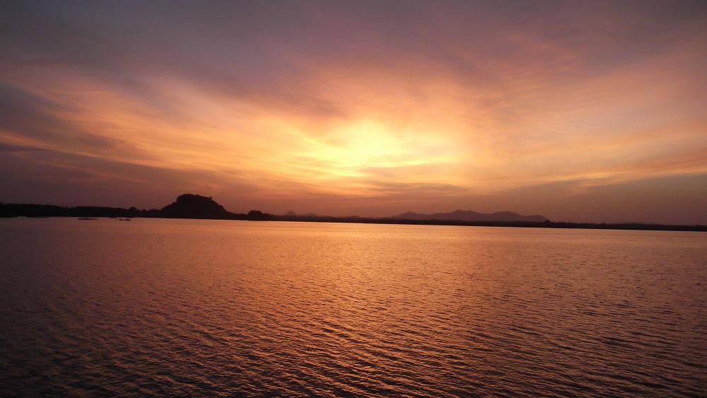beautiful sunset  by nagarjunabhuthala