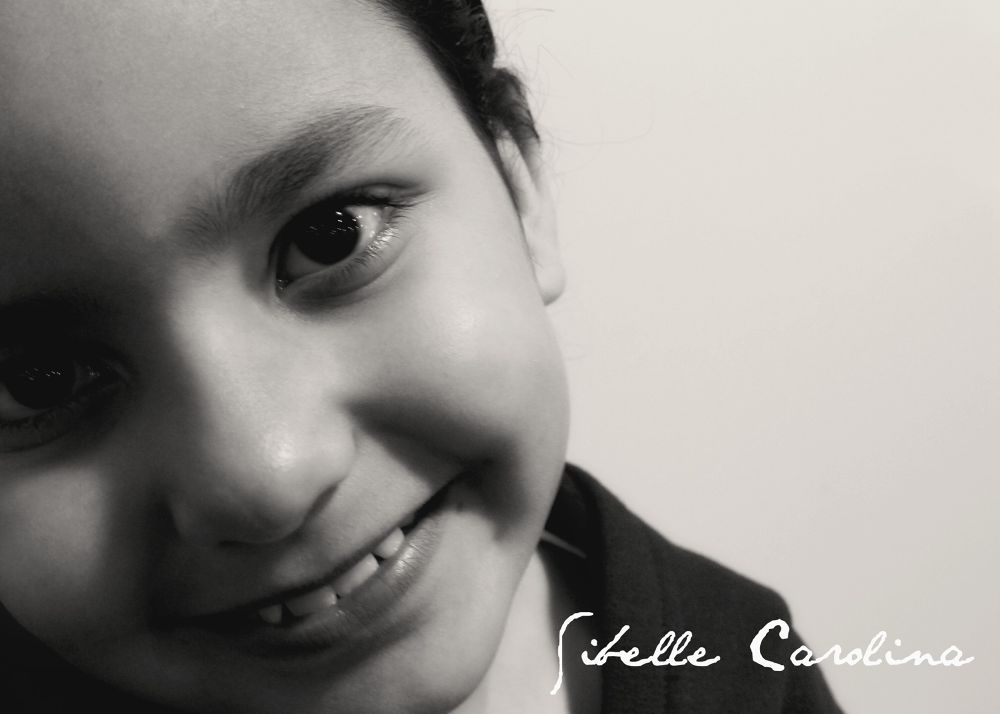 Olhar inocente2013-05-30 21 by Sibelle carolina Vargas