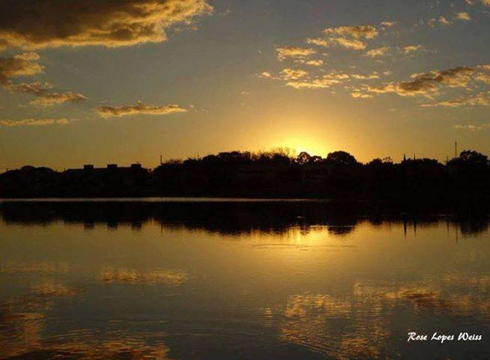 Lagoa Itatiaia / Campo Grande / Mato Grosso Do Sul / Brasil by Rose