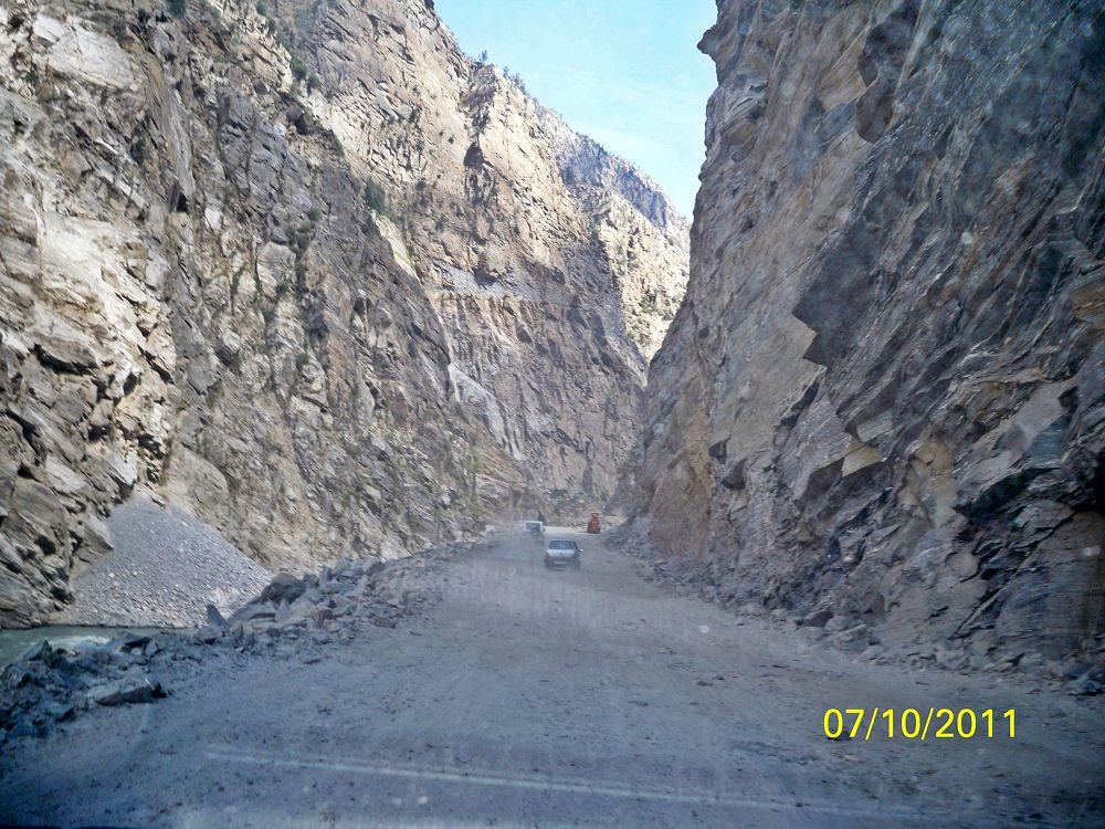 Between the Rock by bodhisatya