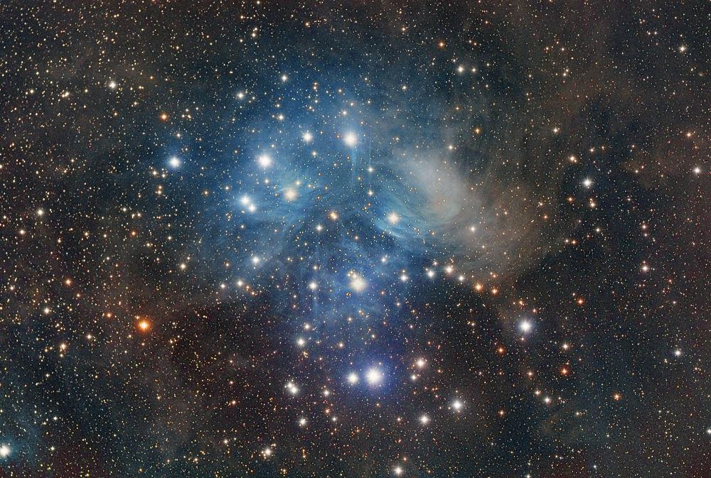 Pleiades (M45) by vegacheng