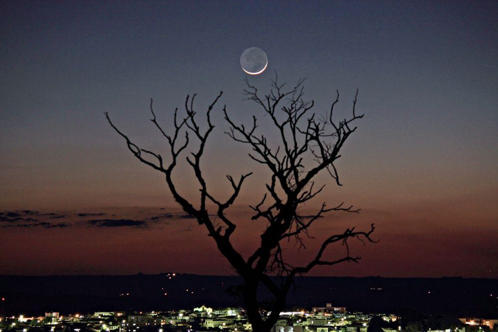 Waxing Moon by Odilon Simões Corrêa