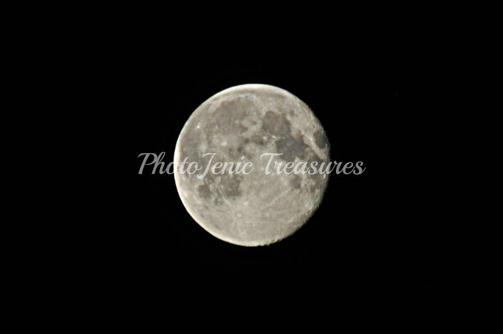 Photo in Astrophotography #moon #super #sky #dark #night #photojenic treasures