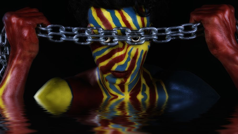 from a different world  ( Bodypaint I do ) by Somyot s & Majid s Blend Werk