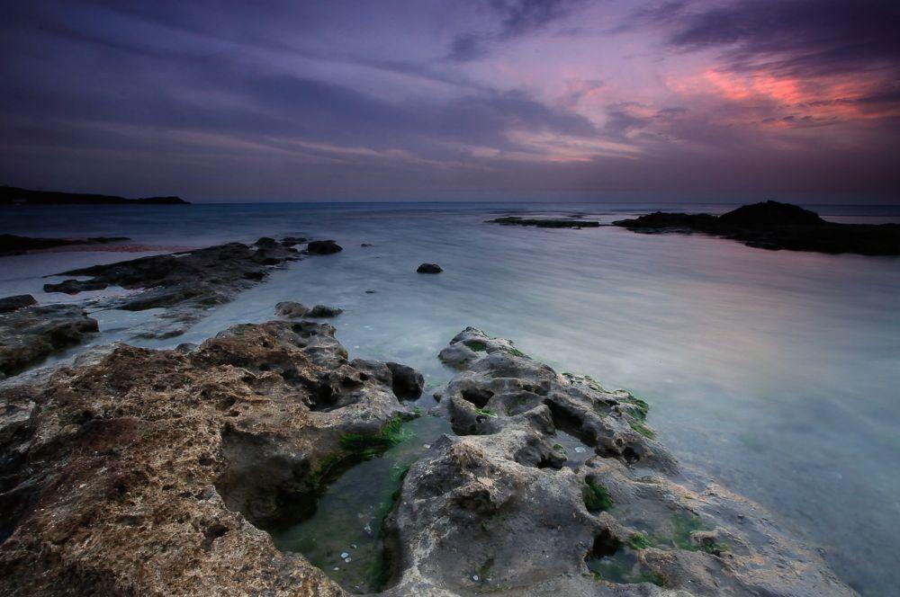 The sun sets by eldadpaz