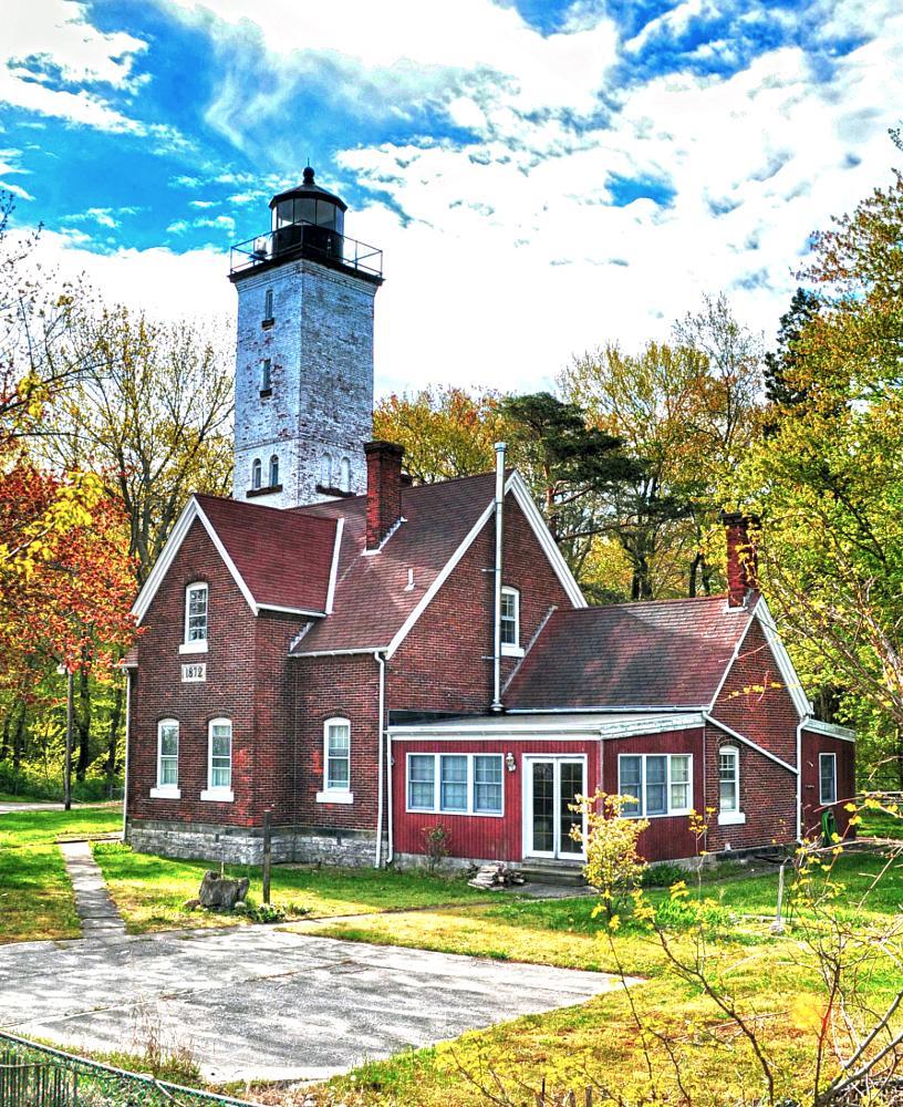 Presque Isle Lighthouse by julie.farrellclark
