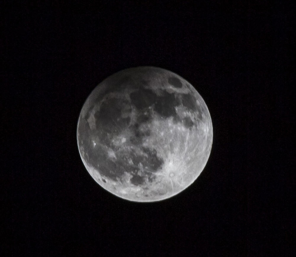 MOON by necatiphoto