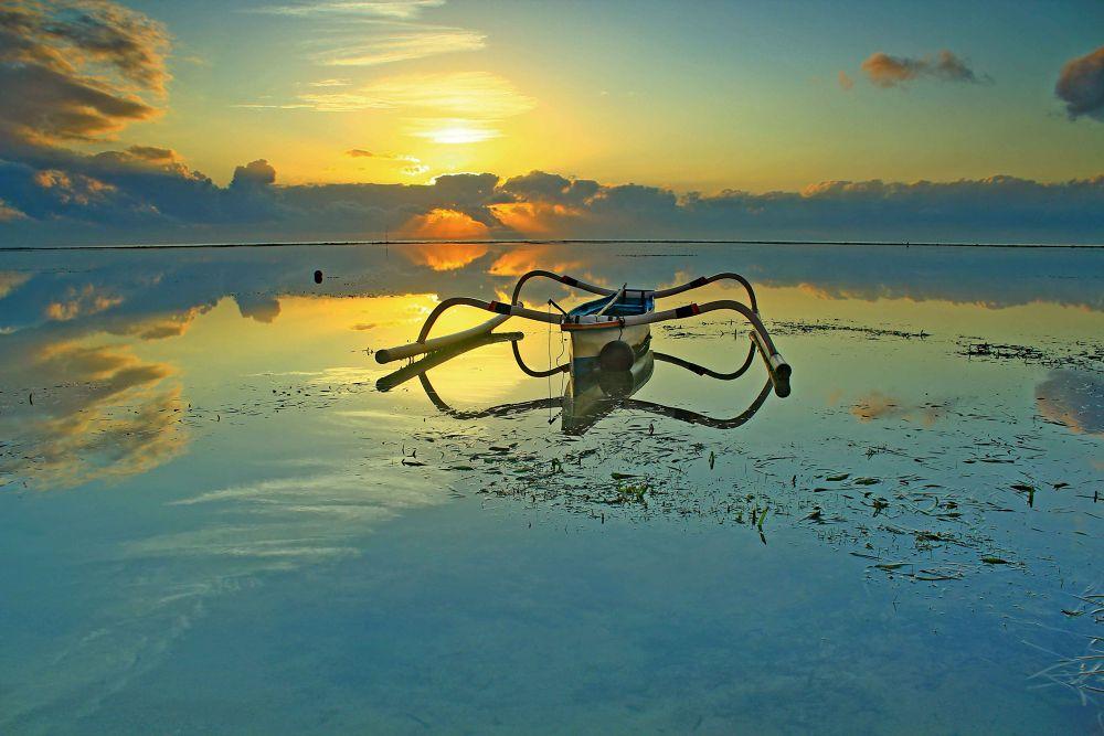 sanur beach by gustisuarsana3