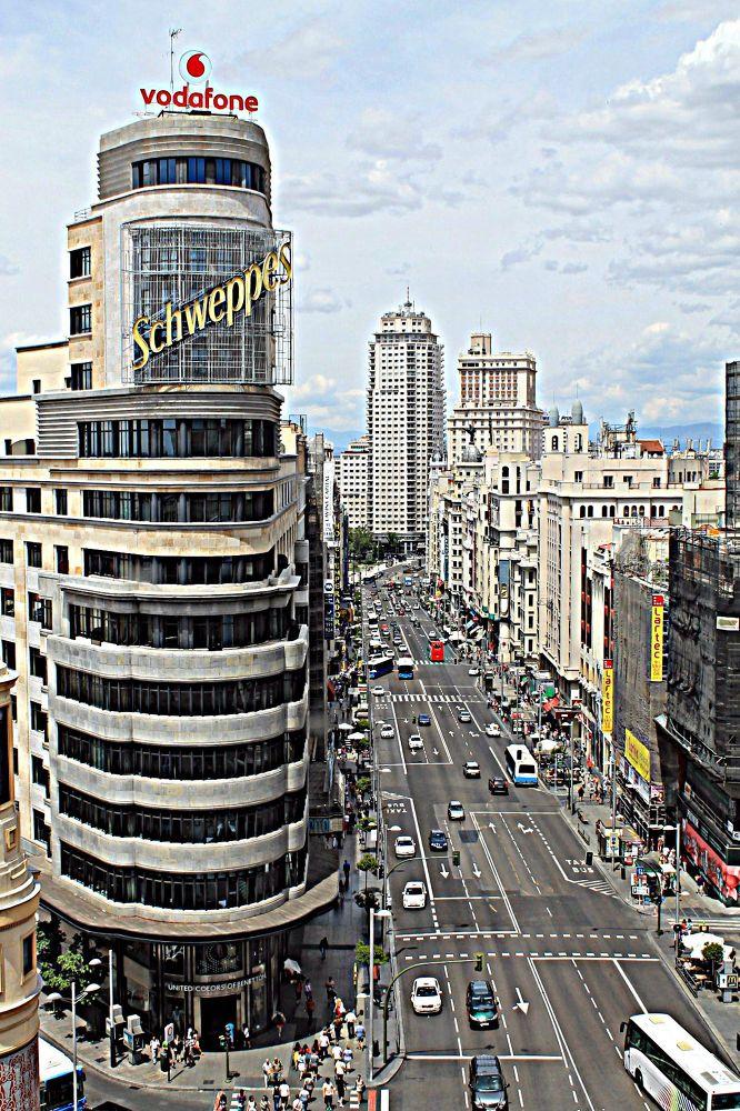 Gran Vía, Madrid by mikivalero