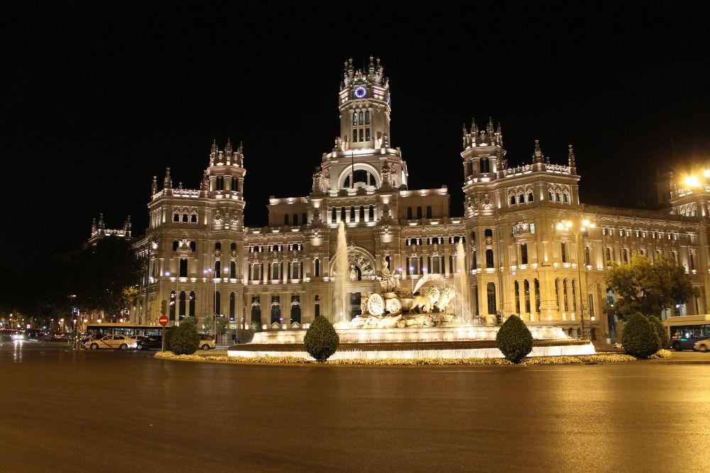 Palacio de Telecomunicaciones, Madrid by mikivalero
