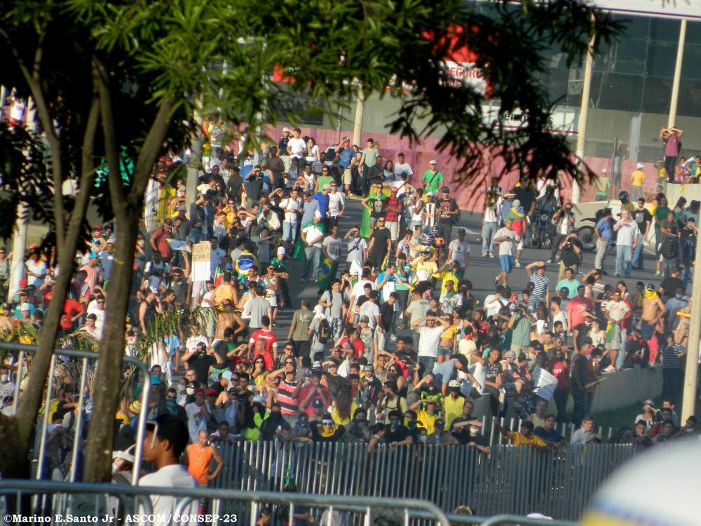 Cobertura das manifestações ocorridas em BH (26/06/2013) Durante a Copa das Confederações. by marinojuniorfotografia