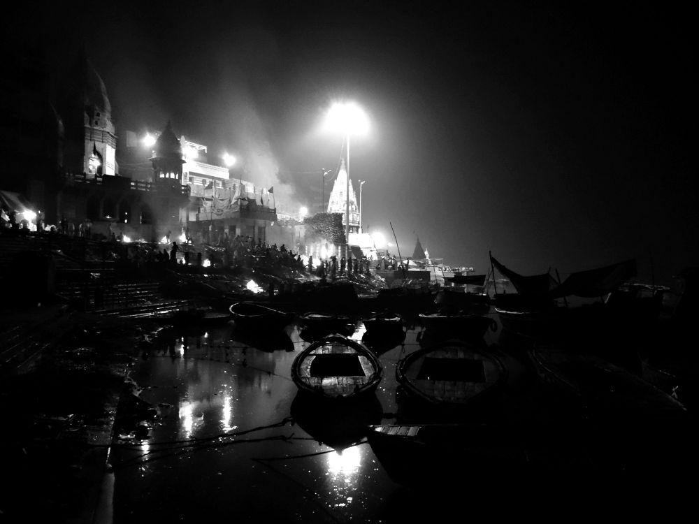 Incredible Varanasi by mkhattry